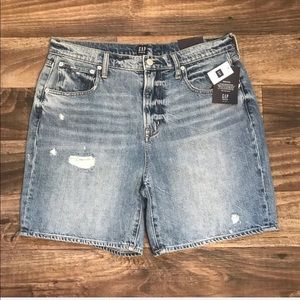 "GAP Women's High Rise 7"" Boyfriend Shorts Size 31"
